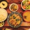 「八百屋とごはんうらや」 の定食。【梅田と難波ひとり晩ごはん。】
