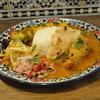駒沢大学の「Indian Canteen Ami」でチキンカレー、サツマイモのコザンブ。