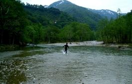 あたたかな川をさかのぼるように、山形へ