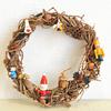 【DIY・クリスマスリース】0円ベースと集めた木の実と20円のオーナメントでできた!