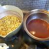 幸運な病のレシピ( 464 )朝:新玉ねぎに豚と厚揚を味噌炒、鮭、牛とアスパラとタケノコの炒め、煮しめ