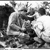 1945年 7月23日 『片手に手榴弾、片手に白い布片』