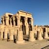 エジプト コムオンボ 2重神殿 コムオンボ神殿 観光、有名レリーフ「カレンダー」と「医療器具」、巨大なワニのミイラに圧倒