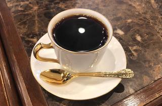 何かを頑張るために「コーヒーを飲む」のを(ほぼ)やめた|近藤佑子