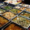 バンコク・チョンノンシー駅から徒歩2分。屋台料理「Tonaoy」で晩ごはん。