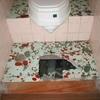 トイレのタイル床が陥没したら、どうなるか?