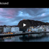 オーロラと美しい港の夜景 ノルウェー西岸の小さな港町