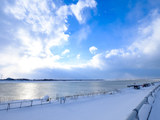 冬の石狩川で写真撮影。晴れのち吹雪。