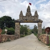 North Phnom Prasit Pagoda (お寺と遺跡あり)に行って来ました。2−1。