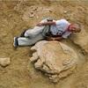 最大級の恐竜足跡=1メートル超、ゴビ砂漠で発見―岡山理大