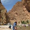 モロッコ1人旅行記 2泊3日サハラ砂漠ツアー  2日目 行程押しおしの代償 『トドラ渓谷』滞在5分 でもランチでまたもや押し返す(苦笑)