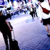 夜の渋谷を練り歩いていると、次どこ行くか迷っている外国人に出会った。
