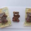 【ロイズ (ROYCE')  プチベアショコラ】足と耳がチャームポイント 可愛いクマ型チョコレート
