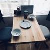 ミニマリストによる無印良品のパイン材テーブルのレビュー