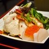豊洲の「米花」で鶏ささみサラダ。