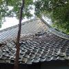 すでに崩壊していたお寺さんの屋根を直せた。