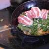幸運な病のレシピ( 847 )朝:野菜炒めオムレツ(お好み焼き風味、豚バラ&ネギ頭)
