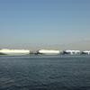 自動車船が並ぶ名古屋港