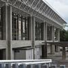 【伊賀・上野西小学校】坂倉準三が設計した体育館は近くで見ると…