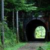 二度も三度も通りたくなる、ありふれたトンネルの話。