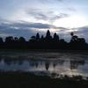 カンボジア シェムリアップ 「アンコール・ワット」 沢山の観光客と残念な 日の出鑑賞