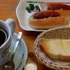 コメダ珈琲店「たっぷりブレンドコーヒー(モーニング/トーストのみ)」「ホットドッグ」