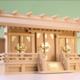 高さ寸法があまりない平べったい横長スタイル 通し屋根三社の神棚