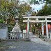 京都御苑「宗像神社」山茶花と南天が彩る境内。