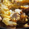 「田舎丼」カレーと親子丼が一緒になった