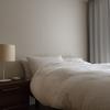 寝室の遮光ドレープカーテン