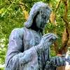 カール・フォン・リンネの銅像