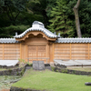 戦災で失われた小石川後楽園の唐門再建工事ほぼ終了
