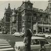オランダ・アムステルダムを快走していたケン&メリー。