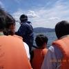 寄り添うカップル、真剣に覚えようとする子どもら❗️琵琶湖初、特別機動船45km/hで疾走‼️