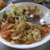 幸運な病のレシピ( 809 )朝:煮しめ(鳥大根)、キャベツ炒め、目玉焼き、味噌汁仕立て直し