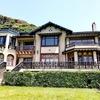 鎌倉近代文学館|旧前田侯爵家別邸、上品な蒼い瓦の洋館と薔薇園
