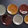 郡司庸久・慶子さんの型打ちのお皿やオーバル皿などが入荷しています