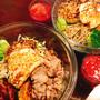 昼は七号食、夜はサラダ。鶏胸肉のハンバーグで大満足◎ トマトジュースとサラダで快調です♪