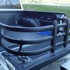 ピックアップトラックのベットエクステンダーは便利です。