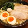 【池袋グルメ】横浜家系ラーメン 池袋商店は『美味しくて』『うるさくて』『面白い』お店
