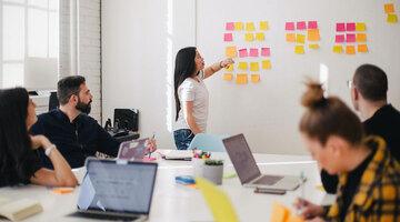 世界の女性管理職は約3割。ポジティブアクションはこれを変えるか