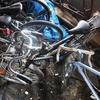 納屋に保管されたフラッシャー自転車