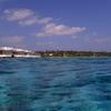 水上プールヴィラ・ドロップオフでシュノーケリング ディガリモルディブ