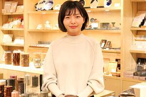 """""""仕入れて売る""""から"""" """"職人さんとつくって売る"""" 世界中の人が集まる場所で、 日本の誇れるものづくりを提案する。"""