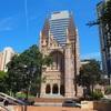 【ブリスベン観光】1世紀かけて造り込まれた大聖堂と、生まれ変わった防空壕