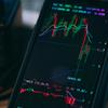【出前館】赤字拡大しているのに、株価が上がる理由