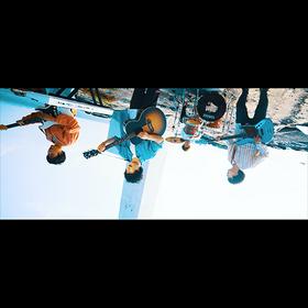 """共感度高い歌詞でファンに支持される「ab initio(アブイニシオ)」、 最新曲『さかさまの空』のミュージックビデオを公開 """"さかさま""""撮影で、見ていた世界が180度変わる世界を表現"""
