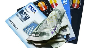 スーパーで現金を下ろせる【デビットカード+キャッシュアウト】はアメリカでは最強のコンビ