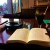 ★JR放出駅前の喫茶にて。安定の読書。