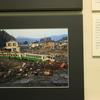 宮城県気仙沼市「リアス・アーク美術館」で震災の記録を見る
